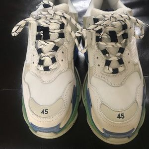 100% AUTHENTIC TRIPLE S RUNNERS